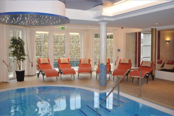 Wellnessbereich mit Pool im Hotel JuraSchlössl